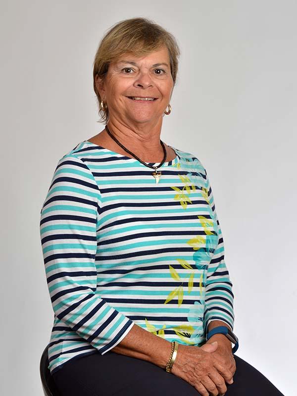 Mildred Juliá de Calvesbert<br>Retirada<br> Industria de la educación