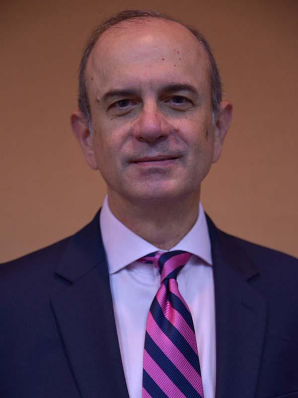 Samuel Céspedes Sabater <br>Socio Capital, McConnell Valdés<br>
